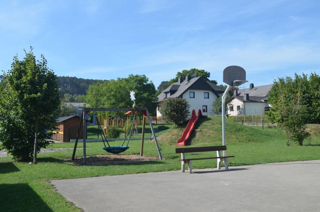 Spielplatz Dreistetten_01